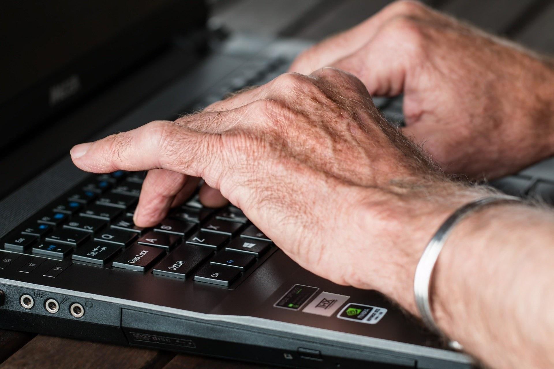 """Seniorenc@fe trifft sich """"online"""" am 21. Mai 2021"""